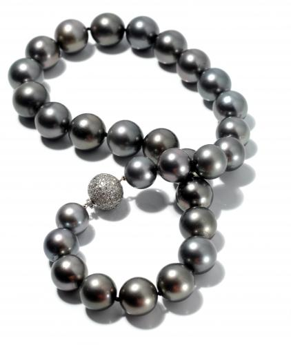 Tahitian Pearls with a Diamond Clasp