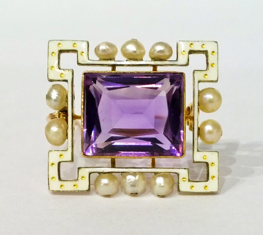 Amethyst and pearl brooch c.1910